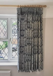 Quarter length curtains 209x300 - Gallery